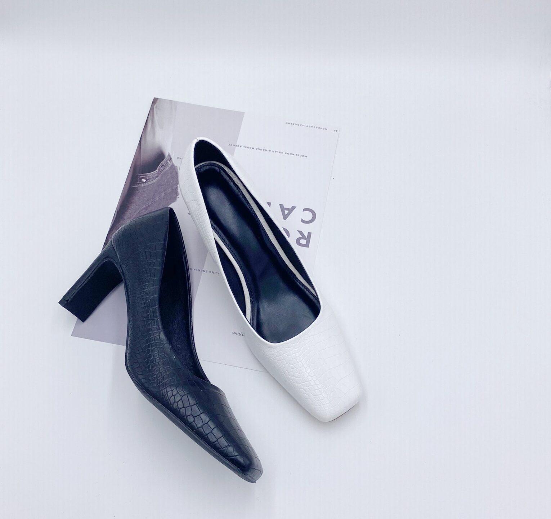 Giày mũi vuông gót dẹt