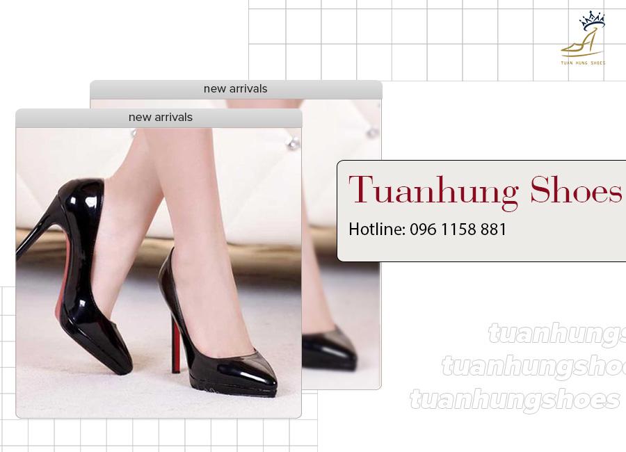 Những đôi cao gót mũi nhọn màu đen bóng rất dễ phối trang phục và tôn dáng hiệu quả