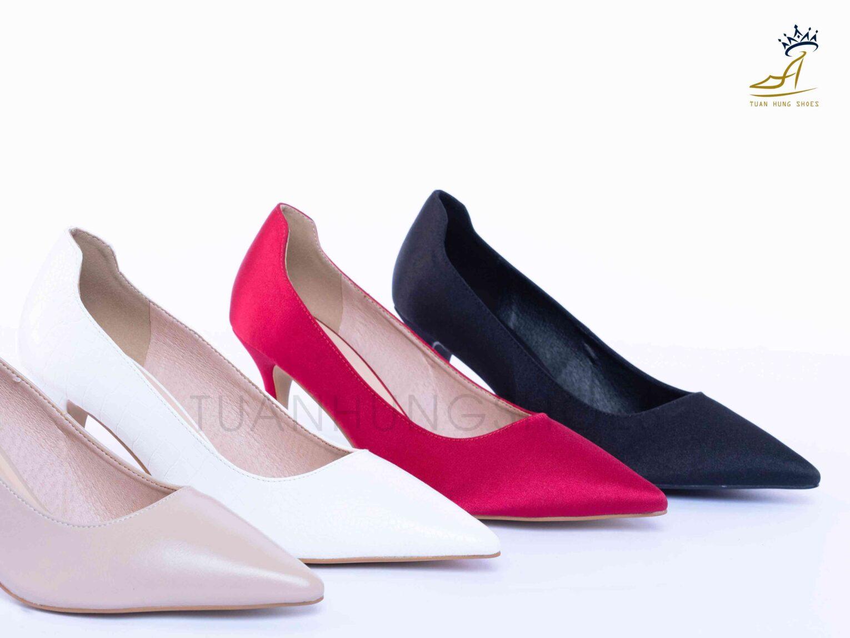 Giày cao gót mũi nhọn vải Santin